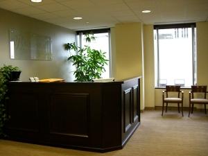 le desk where i spend many many hours